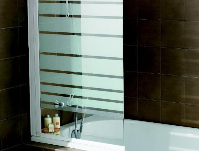 choisir sa baignoire selon la configuration de sa salle de. Black Bedroom Furniture Sets. Home Design Ideas